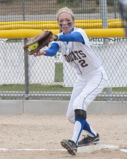 Sarah Cudahy play at first base