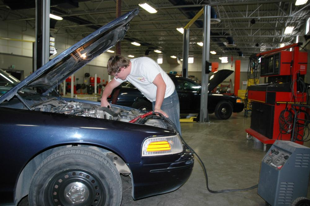 A WNC student works in the automotive technology lab.